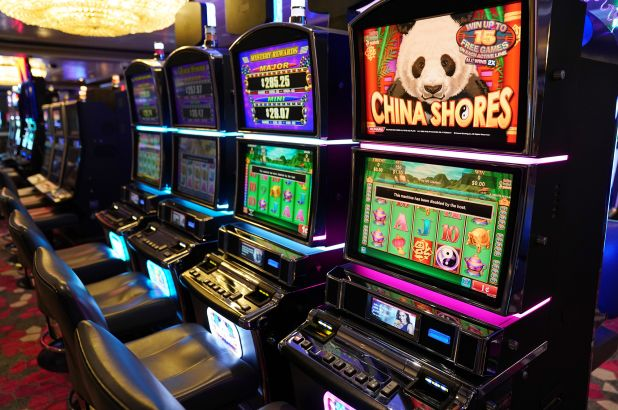 The Simple Online Casino That Wins Clients